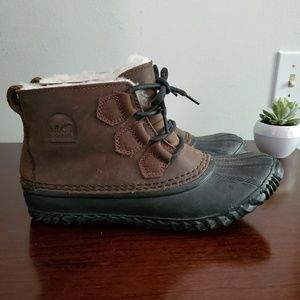 Sorel Out n about boot with shearling